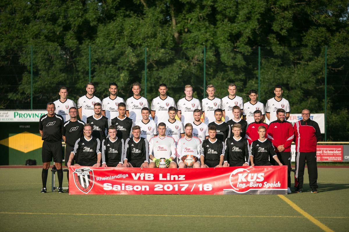 Mannschaftsfoto der 1. Mannschaft des VfB Linz in der Saison 2017/2018