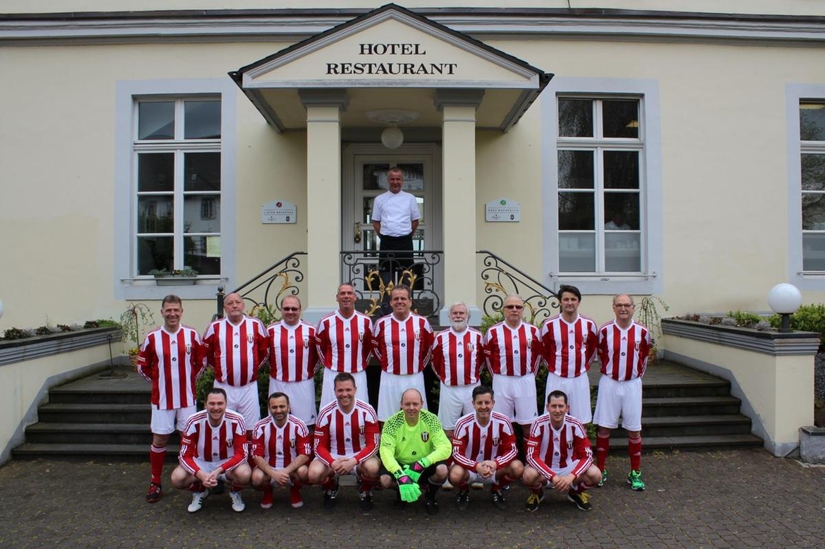 Mannschaftsfoto der Alten Herren des VfB Linz