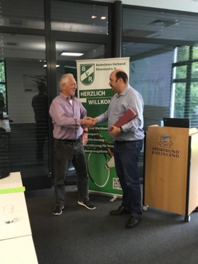 Ehrung für Badminton Abteilungsleiter Wolfgang Blaut
