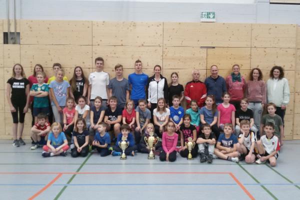 Leichtathleten erneut dreifacher Pokalsieger beim Nikolauslauf