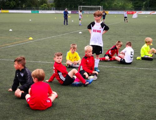 VfB-Kicker beim Talenttag des 1. FC Köln