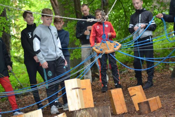 C1-Junioren der JSG Linz im Hochseilgarten